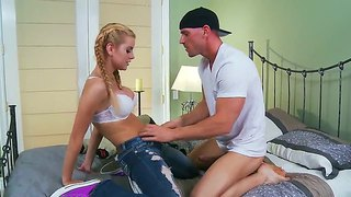 Jessie rogers adorable obtient cloué par johnny sins