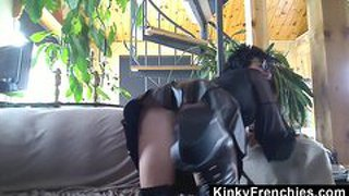 Kinky bianca in leder-outfit
