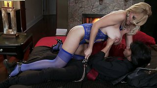 Charlee chase is alles vrouw om deville richie