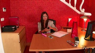 Angelica hart stop vir 'n sexy masturbational pouse