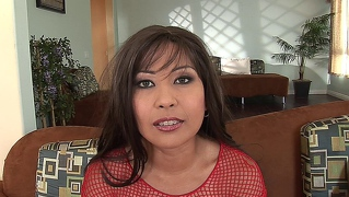 Asian milf kurba gets njeno muco in rit dp'ed