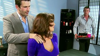 Jordan ash,manuel ferrara and veronica avluv are having extraordinaire threesome at the office